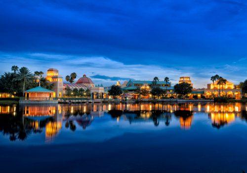 oronado Springs Resort Hotel - Exterior at night ©Disney