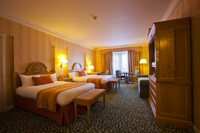 Disneyland® Paris Hotels Disneyland Hotel