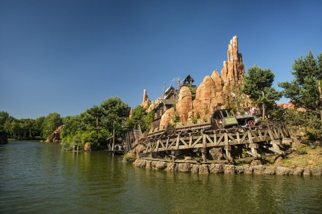 Disneyland® Frontierland Big Thunder Mountain